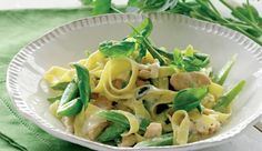 Fettucine with chicken and aspargus
