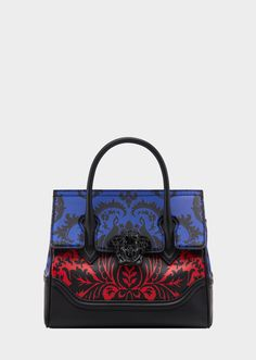 Versace Contrast Barocco Print Palazzo Empire Bag for Women Versace Handbags, Versace Bag, Stylish Handbags, Purses And Handbags, Ladies Handbags, Backpack Bags, Tote Bag, What In My Bag, Bag Icon