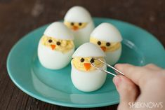 Add This Adorable Hatching Chick Deviled Eggs Recipe to Your Easter Menu – SheKnows Chick Deviled Eggs Recipe, Easter Deviled Eggs, Easter Recipes, Egg Recipes, Holiday Recipes, Easter Ideas, Easter Dinner, Easter Brunch, Easter Appetizers