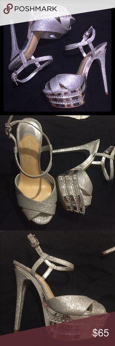 ✨SALE✨Gianni Bini 6.5 party silver shoes used once Gianni Bini 6.5 party silver shoes. Only used once Gianni Bini Shoes Heels
