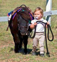 Bebita y su pony...