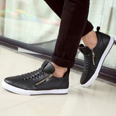 - Trendy side zipper low casual shoes for an urban look - Side zipper for easy access - Made from PU - Rubber sole - Available in 3 colors