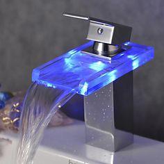 Pia de banheiro em formato de cachoeira com LED que muda de cor (acabamento cromado) – BRL R$ 208,97