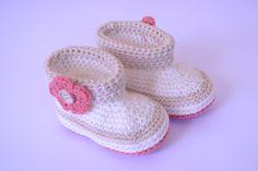 Botitas hechas de crochet para bebés  www.babybootsboutique.blogspot.com https://www.facebook.com/babybootsboutique Tienda en etsy: https://www.etsy.com/es/shop/BabyBootsBoutique