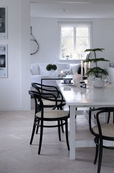 white table / black chairs