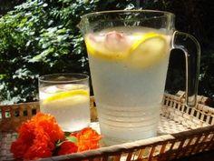 Limonádé receptek cukor nélkül. Egészséges felfrissülés. Cukor, Glass Of Milk, Drinks, Smoothie, Workout, Food, Beverages, Drinking, Work Out