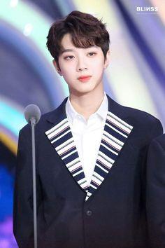 Wanna-One - Lai Guanlin Kpop, Yoo Seonho, Guan Lin, Lai Guanlin, Got7 Jackson, Kim Jaehwan, Ji Sung, 3 In One, Face Claims