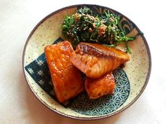 Recipe: Salmon Teriyaki (さけ てりやき) | otakufood.com // Japanese Food