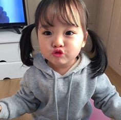 Read Que coisas lindas❤ from the story 𝐹𝒾𝓁𝒽𝑜𝓈(𝒶𝓈) 𝒹𝑜𝓈 𝒷𝓉𝓈 Cute Asian Babies, Korean Babies, Asian Kids, Cute Korean Girl, Cute Babies, Asian Child, Cute Baby Girl Pictures, Baby Photos, My Baby Girl