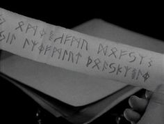 Night Of The Demon : The Passing Of The Runes : Holden finds the Runes - and then they try to escape into the fire !
