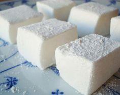 Aprenda a preparar marshmallow caseiro com gelatina com esta excelente e fácil receita!