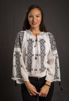manually embroidered Romanian blouses - ie romaneasca Peasant Blouse, Blouse Dress, Bohemian Style, Boho, Folk Costume, Blouse Online, Embroidered Blouse, Traditional Outfits, Stitch Patterns