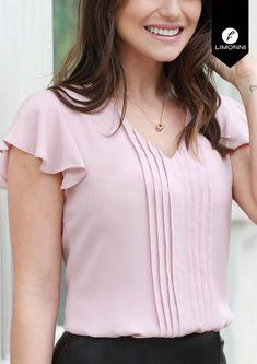 Cute Blouses, Blouses For Women, Kurta Designs, Blouse Designs, Designs For Dresses, Trendy Tops, Classy Dress, Blouse Styles, Dress Patterns