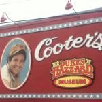 Cooter's Garage- free to visit, small fee for pic in the general lee, lots of DoH souvies