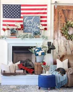 A perfect Fourth of July decoration has to have a perfect Patriotic mantel decor. Here I've collected the best Patriotic Mantel decor ideas for you. Fourth Of July Decor, 4th Of July Decorations, July 4th, Spring Decorations, My Living Room, Home And Living, Cozy Living, Country Decor, Farmhouse Decor