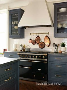 Uplifting Kitchen Remodeling Choosing Your New Kitchen Cabinets Ideas. Delightful Kitchen Remodeling Choosing Your New Kitchen Cabinets Ideas. Farmhouse Kitchen Cabinets, Modern Farmhouse Kitchens, Kitchen Cabinet Design, Black Kitchens, Kitchen Redo, New Kitchen, Home Kitchens, Kitchen Dining, Kitchen Ideas