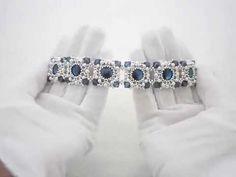 Оригинальный вечерний браслет выполнен в технике плетения. Каждый кристалл заключен в кружевную оправу ручной работы из драгоценного японского бисера Miyuki,...