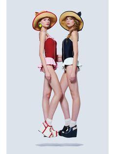 Modakawa - One-Piece Ruffled Swimsuit Fashion Shoot, Fashion Models, Fashion Outfits, Cosplay Outfits, Cosplay Costumes, Ruffle Swimsuit, Poses, Pameo Pose, Looks Style