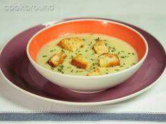 Crema di porri e patate: Ricette di Cookaround | Cookaround My Recipes, Soup Recipes, Cooking Recipes, Healthy Recipes, Healthy Food, Recipe Boards, Kfc, Recipe Of The Day, Soups And Stews