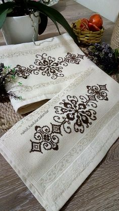 1 million+ Stunning Free Images to Use Anywhere Blackwork Embroidery, Embroidery Patterns, Cross Stitch Designs, Cross Stitch Patterns, Palestinian Embroidery, Free To Use Images, Home Deco, Diy And Crafts, Finding Yourself