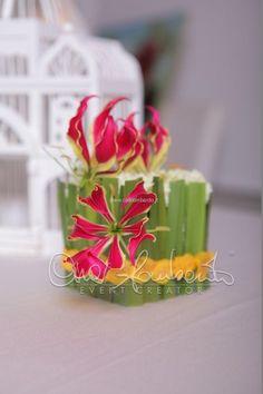 Tutorial: linee grafiche e moderne per la mini composizione floreale di un matrimonio giovane e innovativo
