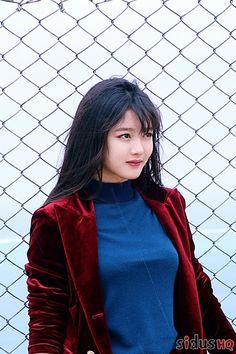 Kim you jeong Korean Actresses, Korean Actors, Korean Beauty, Asian Beauty, Kim You Jung, Creative Fashion Photography, Kim Seol Hyun, Girl Inspiration, Korean Celebrities