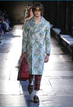 "Gucci set up shop in London at The Cloisters in Westminster Abbey to show its cruise 2017 collection. Talking about the collection, which was originally unveiled with a lookbook, Gucci creative director Alessandro Michele shares, ""The collection is like a little poem to London. I have tried to put into it some of the pieces... [Read More]"