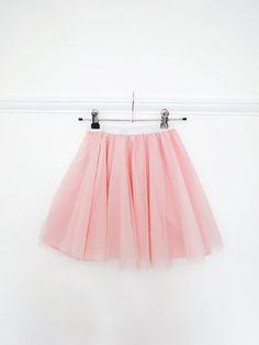 66 ideas for skirt tutorial tulle Tulle Skirt Kids, Diy Tutu Skirt, Tulle Skirt Dress, Tulle Skirt Tutorial, Tulle Skirts, Girls Skirt Patterns, Skirt Patterns Sewing, Tutus For Girls, Girls Dresses