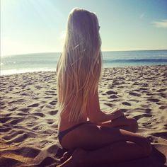 Gorg beach blonde hair.