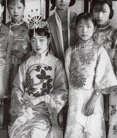 Last Emperor Of China, Ancient China Clothing, Old Shanghai, Hanfu, Cheongsam, Clothing Photography, Asian History, China Art, Chinese Clothing