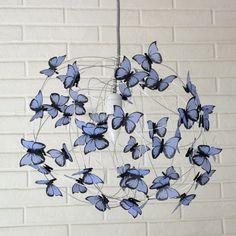 Lampara con mariposas azul claro y cable por AtLastCraftsbyMatchD