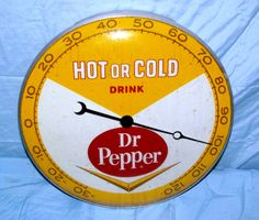 "Dr Pepper Vintage Thermometer (Old 1962 Antique Metal Pam Clock Co. Soda Pop Advertising Sign, ""Hot or Cold Drink"") Vintage Signs, Vintage Ads, Vintage Clocks, Vintage Items, Old Advertisements, Advertising Signs, Retro Signage, Vintage Lunch Boxes, Pop Ads"
