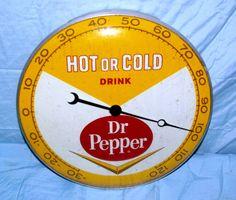 Vintage Ads, Vintage Signs, Vintage Clocks, Vintage Items, Old Advertisements, Advertising Signs, Retro Signage, Vintage Lunch Boxes, Pop Ads