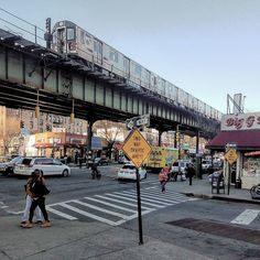 4 train runs across Mosholu Parkway. New York Subway, Nyc Subway, Travel Pictures, Travel Photos, Queens New York, New York City Travel, City Aesthetic, World Cities, Aesthetic Pictures