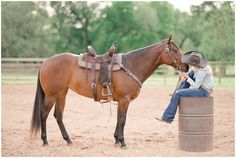 Monica Therrien and her barrel racing mare Ripsy in Valley Mills, TX. Horse Senior Pictures, Pictures With Horses, Country Senior Pictures, Horse Photos, Senior Pics, Cowgirl Pictures, Horse Girl Photography, Photography Senior Pictures, Equine Photography