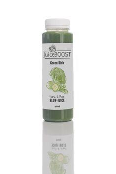 Broccoli en spinazie zit boordevol antioxidanten, vitaminen en mineralen. De kurkuma, koriander en gember geven de echte kick aan deze groene sap. Een heerlijke kruidige smaak. Deze drie ingrediënten worden ook wel geroemd om de geneeskrachtige eigenschappen. Al met al een wonderlijke sap.