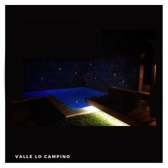 Cuando Diseñamos tu Piscina, también nos preocupamos en todos sus usos. ▶️  𝐓𝐨𝐝𝐨𝐬 𝐧𝐮𝐞𝐬𝐭𝐫𝐨𝐬 𝐩𝐫𝐨𝐲𝐞𝐜𝐭𝐨𝐬 𝐬𝐞 𝐩𝐮𝐞𝐝𝐞𝐧 𝐜𝐨𝐧𝐭𝐞𝐦𝐩𝐥𝐚𝐫 𝐝𝐞 𝐧𝐨𝐜𝐡𝐞 🌙 y ☀️  𝐓𝐞𝐫𝐫𝐚𝐳𝐚𝐬   𝐐𝐮𝐢𝐧𝐜𝐡𝐨𝐬   𝐏𝐢𝐬𝐜𝐢𝐧𝐚𝐬   𝐋𝐨𝐠𝐢𝐚𝐬   𝐏𝐚𝐯𝐢𝐦𝐞𝐧𝐭𝐨𝐬   𝐉𝐚𝐫𝐝𝐢𝐧𝐞𝐬   Contacto: www.tripticodisenoyconstruccion.cl +𝟓𝟔 𝟗𝟖𝟖𝟖𝟏𝟗𝟒𝟔𝟗 ( WhatsApp diseñador) tripticosantiago@gmail.com @piscinas_con_diseno_chile ( síguenos… Chile, Outdoor Decor, Home Decor, Swimming Pools, Decks, Night, Gardens, Projects, Chili Powder