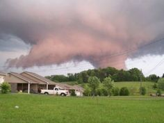 funnel cloud in Tennessee (63 pieces)