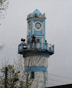 Anzali Clock Tower (Menare) in #snow, Gilan Province, North of Iran برج #الساعة في انزلي مغطى بالثلج ـ #شمال ايران ـ محافظة گيلان.
