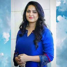 Anushka Latest Photos, Anushka Photos, Orange Saree, Blue Saree, Anushka Shetty Saree, Actress Anushka, Size Zero, Cinema Actress, Latest Instagram