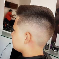 Flat top Whatsapp: 83-999273260 #salaodapaulista #nathanbarbershop #blurryfades #blurryfade #skinfade #razors #sharpfade #staysharp #razorsharp #Alfalooks #sharp #fade #razor #undercut #understyle #barber #barbershopflow #barbershop #barbersince98 #wahl #wahlpro #barbershopconnect # #barbersinc #nastybarbers #barberlove #barbertalent #brasilbarbers