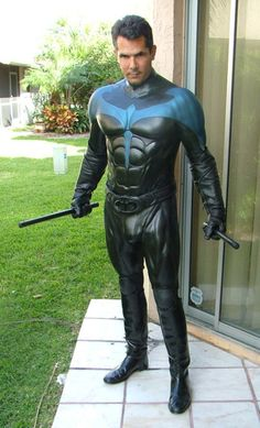 Nightwing, in latex - cosplay | !!??And WHUT??!!