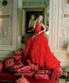 Kate Moss in Christian Dior Haute Couture by Tim Walker for Vogue US April 2012 Dior Haute Couture, Christian Dior Couture, Couture Fashion, Valentino Couture, Couture Outfits, Kate Moss, Vogue Paris, White Wedding Dresses, Red Wedding