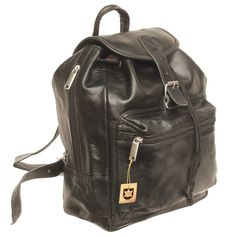 Edel im Aussehen und gleichzeitig sehr praktisch: Mit diesem kleinen, handlichen Rucksack aus hochwertigen Nappa-Leder sind Sie immer gut gerüstet – hier passt alles  rein, was frau so dabei haben will. Besser als jede Handtasche! Den kleinen Handtaschen-Rucksack  Modell 511 von Hamosons - gibt es außer in diesem Nappa-Leder, Schwarz, auch in Schwarz Büffel, Braun Büffel und Nappa Kastanien-Braun. Maße: 23 x 25 x 11 cm.  79,00 € inkl. MwSt., kostenloser Versand innerhalb Deutschlands