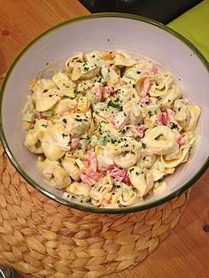 Rezepte Tortellini salad 3 Low Voltage Landscape Lighting Design You spend all that time creating a Chef Salad Recipes, Lunch Recipes, Pasta Recipes, Vegetarian Recipes, Slow Cooker Recipes, Cooking Recipes, Tortellini Salad, Vegetable Drinks, Spinach Salad