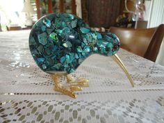 New Zealand Kiwi Bird Figurine Genuine Paua Shell Ariki