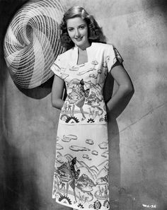 Actress Martha Vickers, 1946 (love her awesome novelty print dress). #vintage #1940s