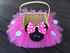 Shown above in bubblegum pink. Choose monogram to have name or initials on the Minnie head. This basket can be done to match any costume in my shop. The Minnie is done in either red, pink, or purple with white polka dots with felt Minnie appliqué. Minnie Maus Halloween, Minnie Mouse 1st Birthday, Minnie Mouse Baby Shower, Minnie Mouse Party, Bumblebee Halloween, Mickey Mouse, Girl Gift Baskets, Easter Gift Baskets, Birthday Gifts For Girls