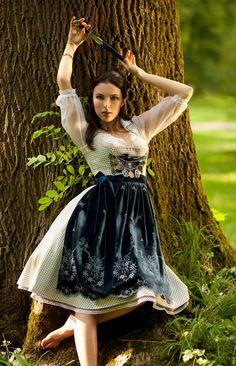 Oktoberfest Outfit, Maid Dress, Dress Up, German Costume, German Girls, Beer Girl, Dirndl Dress, Couture, Dance Outfits