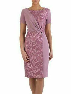 Women& dress Michalina III, formal wear with a slim .- Sukienka damska Michalina III, wizytowa kreacja w wyszczuplającym fasonie. Simple Dresses, Elegant Dresses, Nice Dresses, Casual Dresses, Short Dresses, Formal Dresses, Formal Wear, Dress Brukat, Dress Outfits